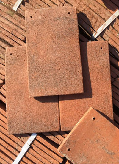 Peg clay roof tiles